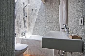 My Space Barcelona Executive Apartments Center - Bathroom  - #0