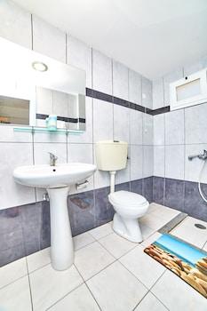 Village Oasis - Bathroom  - #0