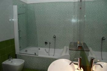Hotel Stefano a Melito - Bathroom  - #0