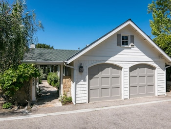 Sun Drenched 3BR 2BA in Montecito by RedAwning