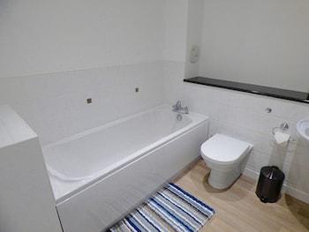The Barony Suite Apartment - Bathroom  - #0