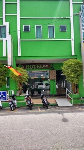 Green Hotel, Sabak Bernam