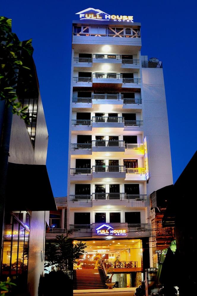 フル ハウス ホテル
