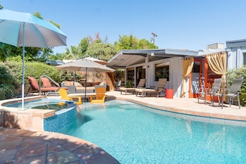 3BR 2BA Chic Contemporary House Palm Desert by RedAwning
