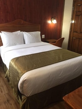 Guestroom at The Architect in Washington