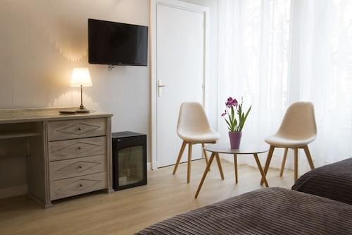 __{offers.Best_flights}__ Brit Hotel Roanne - Le Grand Hotel