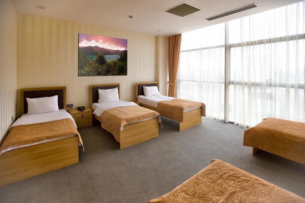 Отель Riva, Баку, Азербайджан