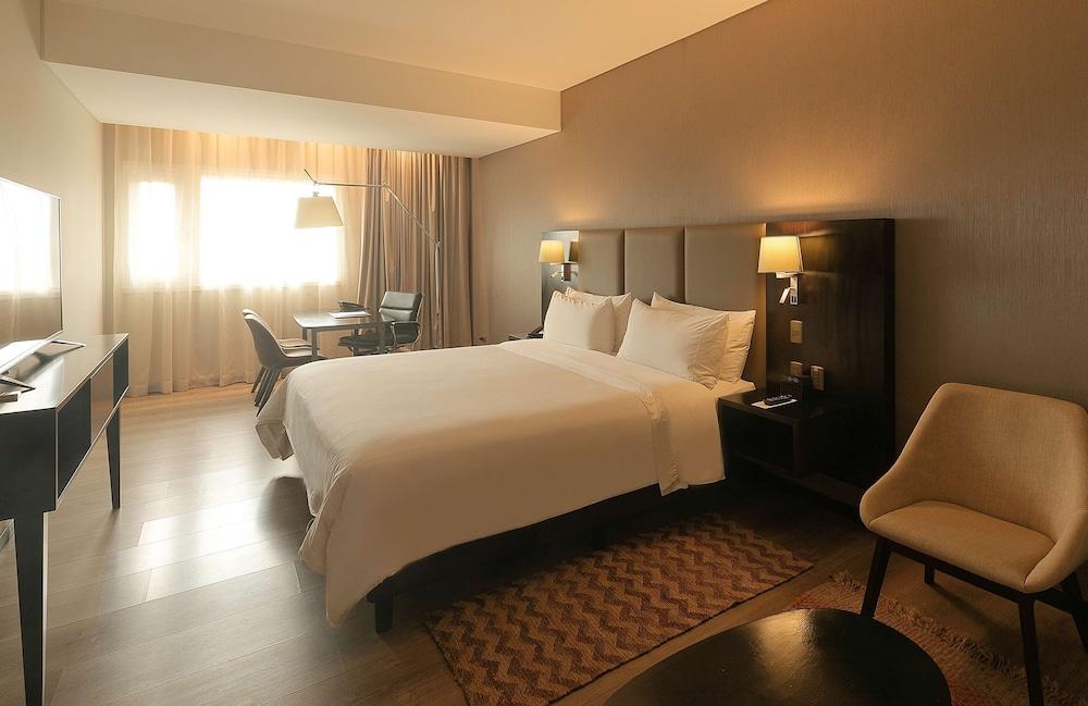 https://i.travelapi.com/hotels/17000000/16450000/16447300/16447274/50223e30_z.jpg