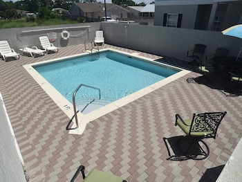Seaview Cottages 6 Great Value Family Vacation Home and 2 Minute Walk