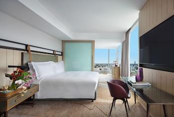 Luxury Room, 1 King Bed, Corner (Club Millésime Benefits)