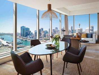 Suite, 1 King Bed, Harbor View (Prestige - Club Millésime Benefits)