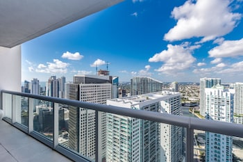 Icon By Design Suites Miami Hotel