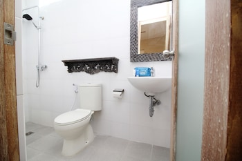 Airy Eco Denpasar Selatan Pasar Dua 2 Bali - Bathroom  - #0