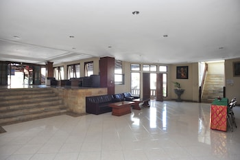 Airy Denpasar Utara HOS Cokroaminoto 63 Bali - Lobby Sitting Area  - #0