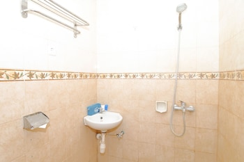 Airy Eco Kota Selatan Pertiwi 59 Gorontalo - Bathroom  - #0