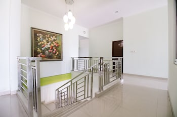 Airy Tanjung Gading Gatot Subroto 63 Bandar Lampung - Staircase  - #0