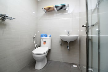 Airy Jodoh Square Imam Bonjol 39 Batam - Bathroom  - #0