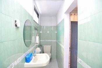 Airy Eco Sanur Hang Tuah 10x Denpasar Bali - Bathroom  - #0