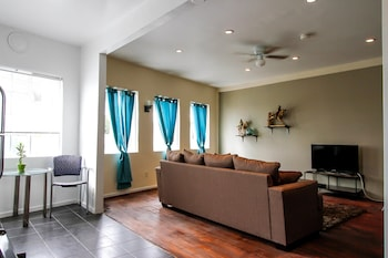 Furnished Los Angeles Apartments photo