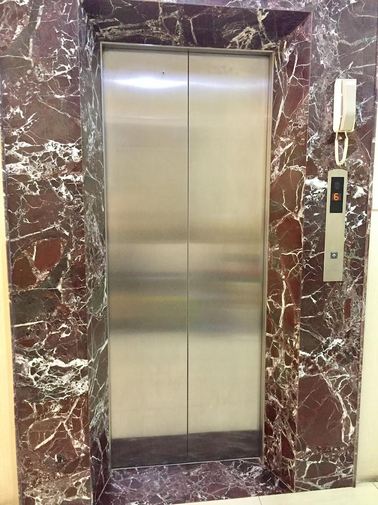 ニュー ホテル II