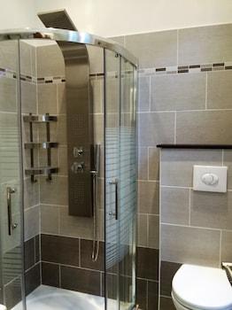 Brand New Villa in the city center - Bathroom Shower  - #0