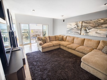 Radiant Solana Beach Condo by RedAwning