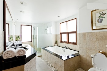 Himmaphan Villa - Bathroom  - #0
