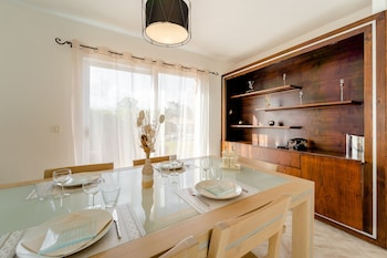Villa (Alexis)