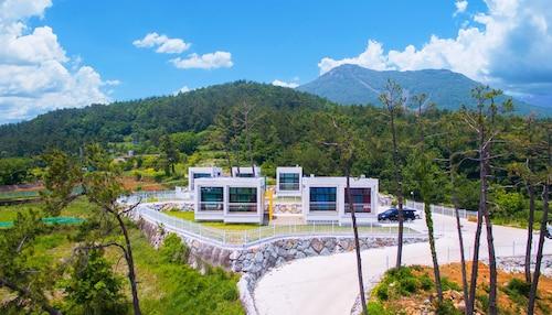 Sea & Pine Pension, Namhae