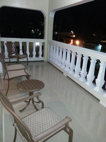 Starz Hotel, Charlotte Amalie