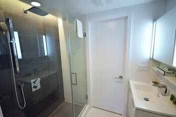 LikeAHotel - La Tour des Canadiens - Bathroom  - #0