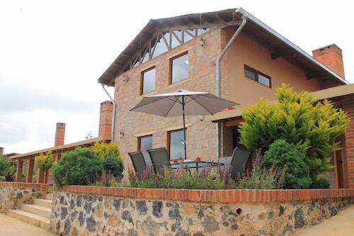 . Hotel y Cabañas Mountain Lodge