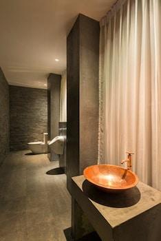 House of Grey - Bathroom  - #0