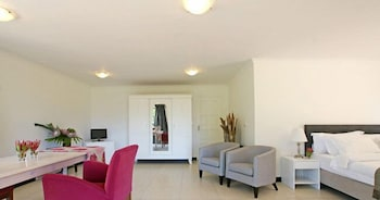 Dreamhouse Guest House - Guestroom  - #0