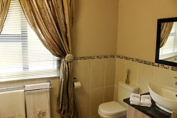 Ibis Way Guest House - Bathroom  - #0