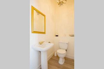 15A on Hove - Bathroom  - #0