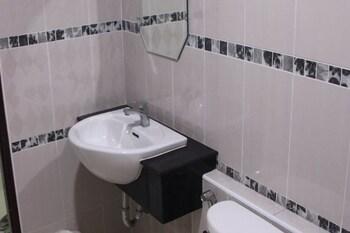 Central View Hostel - Bathroom  - #0