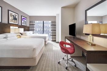 Guestroom at Delta Hotels by Marriott Baltimore Inner Harbor in Baltimore