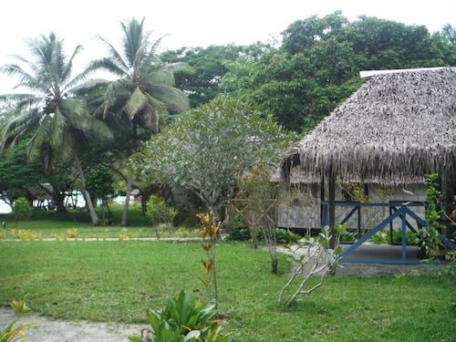 Lonnoc Beach Bungalow, East Santo