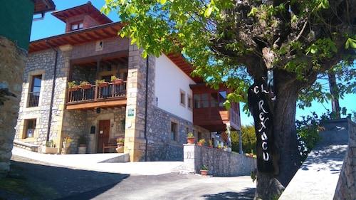 . Hotel Rural El Rexacu