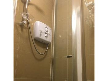 Fairview Serviced Accommodation - Bathroom  - #0