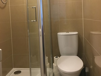 Fairview Serviced Accommodation - Bathroom  - #0