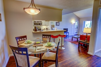 Sunshine Suites at Hillcrest
