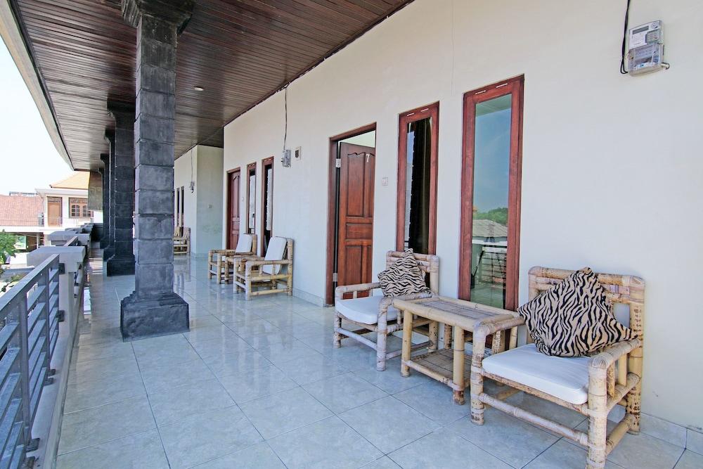 ZEN Rooms Mataram Kuta