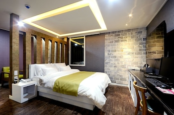 ホテル WEP キメ