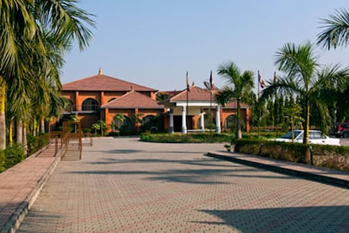 . Hotel Lumbini Garden New Crystal