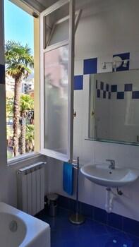 Flexyrent Rapallo - Golf - Bathroom  - #0
