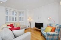 Superior Apartment. 1 Bedroom, 1 Bathroom, Lower Ground Floor (Roland Gardens)
