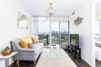 Mhs Suites Luxury 2 Bed 2 Bath Toronto