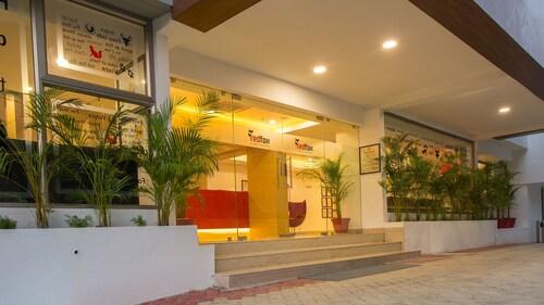. Red Fox Hotel -Tiruchirappalli